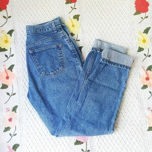 GAP Vintage Classic Fit High Rise Straight Jean 10